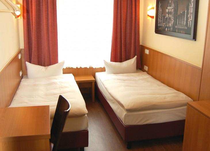 Einzel und Doppelzimmer